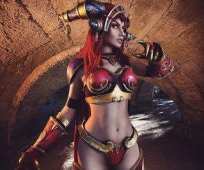 Наташа Фирсакова лучше всех косплеит Алекстразу из Warcraft