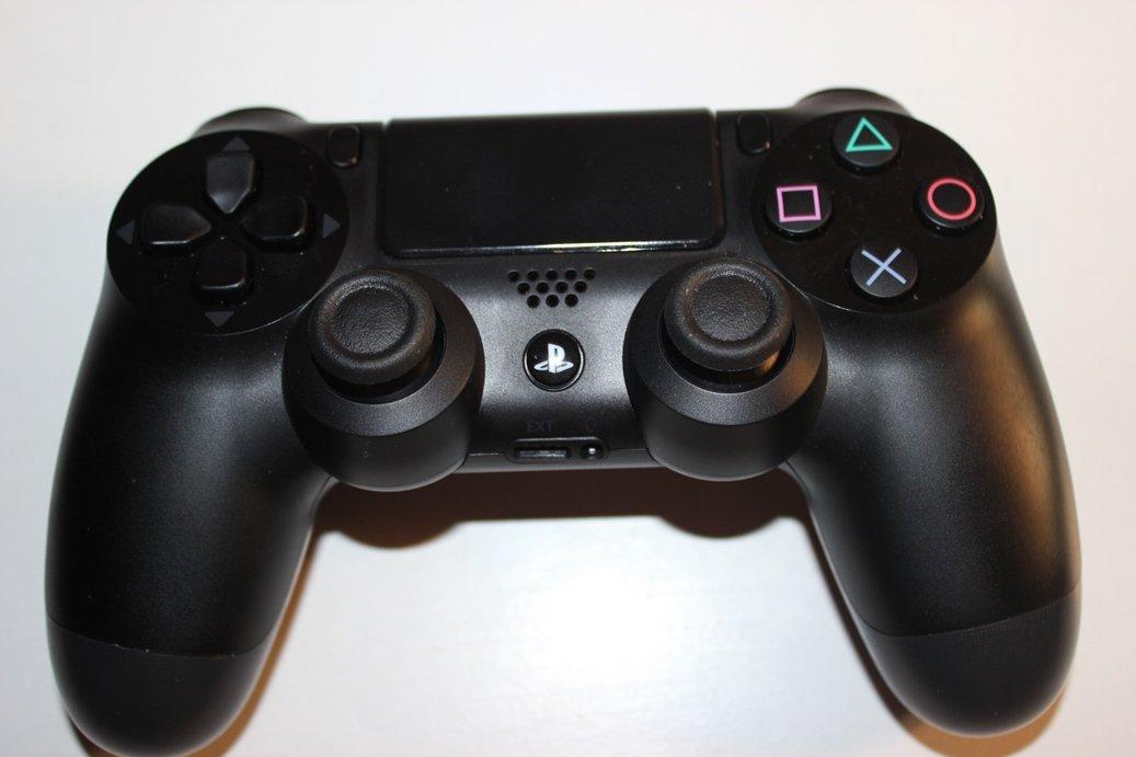 DualShock 4: что нужно знать про геймпад новой консоли Sony - Изображение 1
