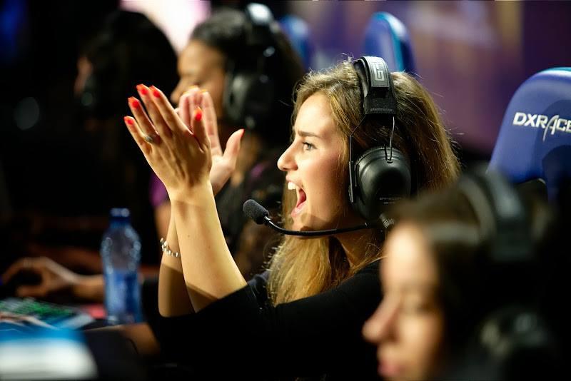 Женские команды по Counter-Strike подрались после турнира - Изображение 1