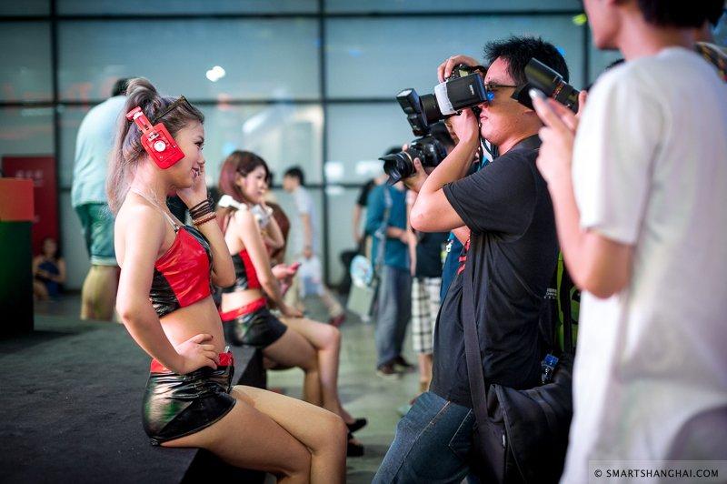 Лучшие девушки самой большой азиатской выставки цифровых развлечений. - Изображение 6