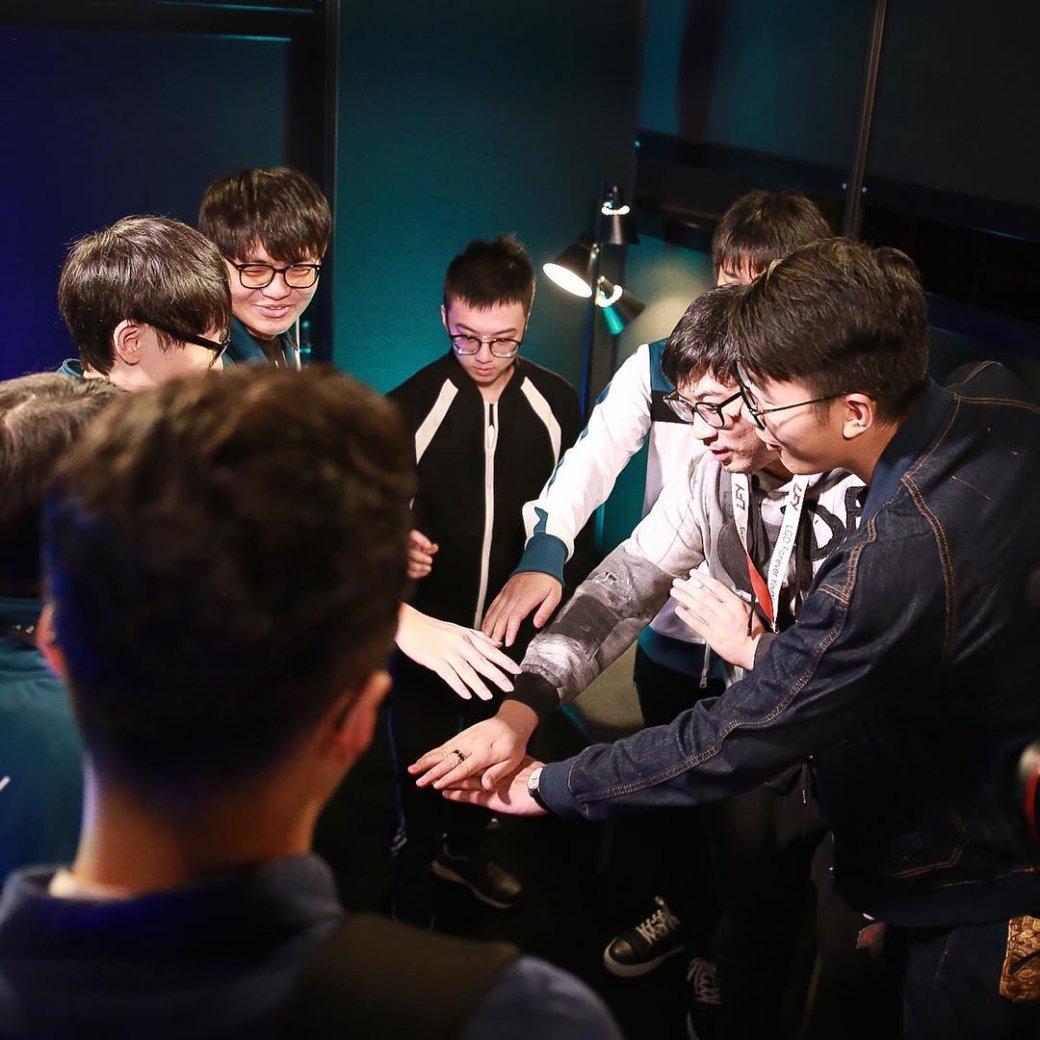 10 лучших кадров второго дня плей-офф TI7. - Изображение 1