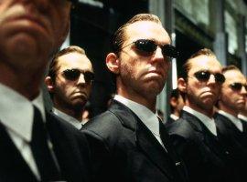 Новая «Матрица» будет без агента Смита. УХьюго Уивинга другие планы