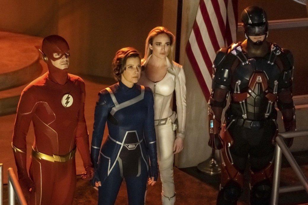 Супергерои собрались вместе на новых кадрах из «Кризиса на Бесконечных Землях»   Канобу - Изображение 4168