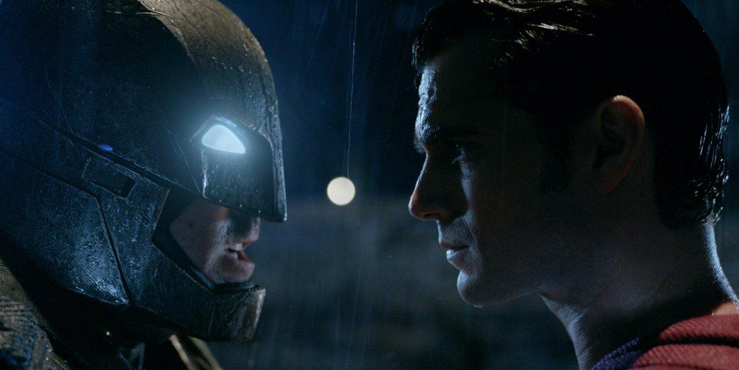 Костюмы, гаджеты и фигурки Бэтмена на Comic-Con 2015 | Канобу - Изображение 1