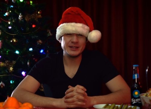 Новогодним подарком отBadComedian стал обзор комедии «Елкиновые». Чтоже онраскритиковал?