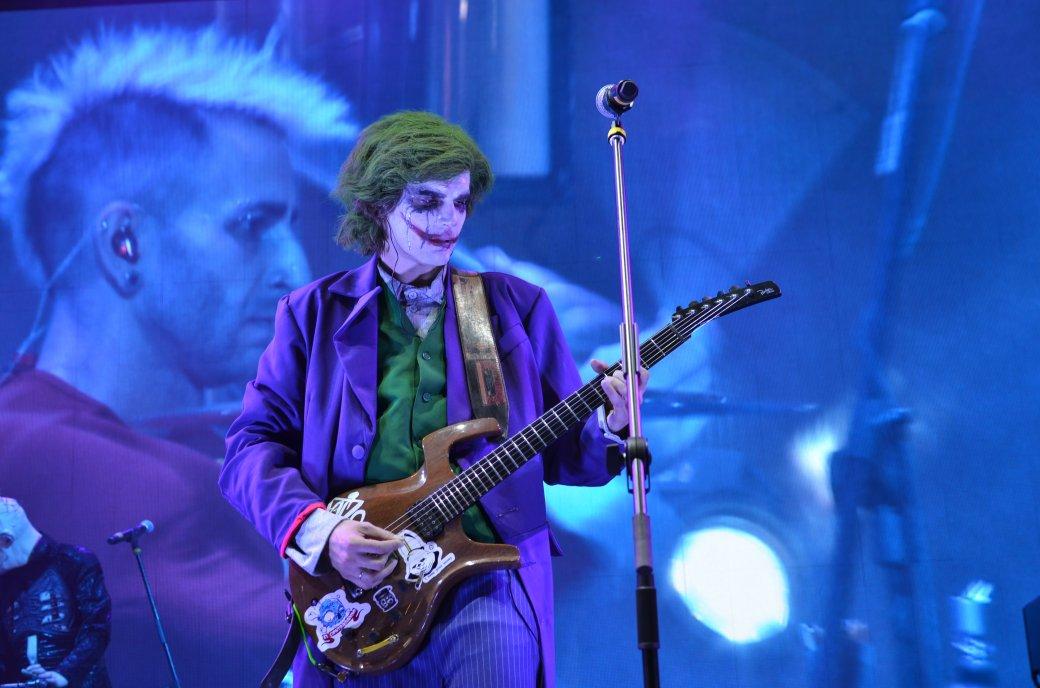 Фотоотчет с «Игромира» и Comic Con Russia, день 2 – концерт Noize MC | Канобу - Изображение 26