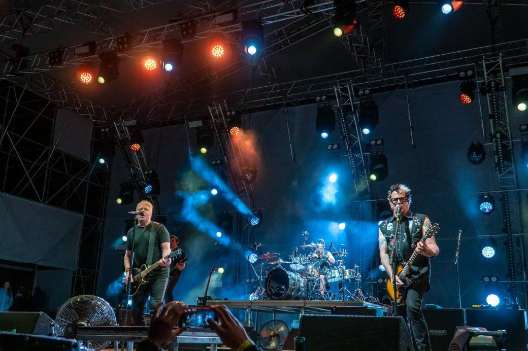 Интервью с гитаристом панк-группы The Offspring Кевином «Нудлзом» Вассерманом | Канобу - Изображение 602